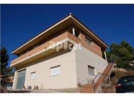 Detached house, 300 m², 4 bedrooms, almost new
