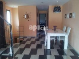 Terraced house, 260 m², 4 bedrooms