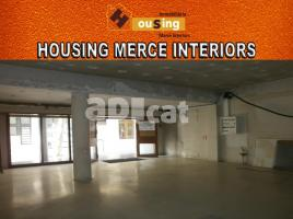 For rent business premises, 280.00 m², near bus and train