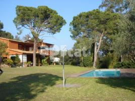 (xalet / torre), 487.00 m², Font