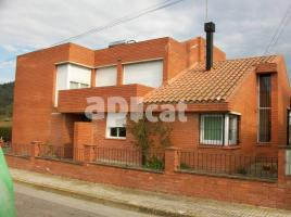 Houses (country house), 173 m², near bus and train
