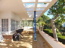 Houses (villa / tower), 723.00 m², near bus and train, Pompeu Fabra