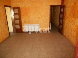 Flat, 78 m², near bus and train