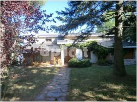 Houses (villa / tower), 2800.00 m², COLLFORMIC