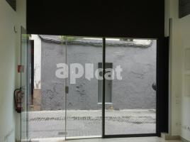 For rent business premises, 45.00 m², near bus and train