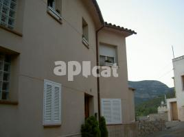 Houses (detached house), 236 m², near bus and train