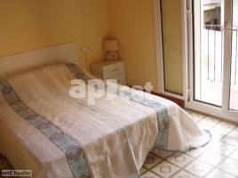 For rent flat, 80.00 m², near bus and train