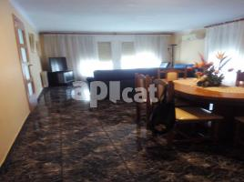 Flat, 110.00 m², near bus and train