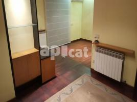 For rent flat, 90.00 m², near bus and train