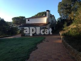 Houses (masia), 260.00 m², near bus and train