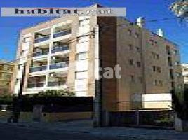 Flat, 86 m², near bus and train, almost new