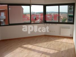 For rent flat, 78 m², near bus and train, almost new