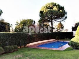 Flat, 130.00 m², almost new, Golf