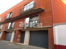 Terraced house, 181 m², near bus and train, almost new
