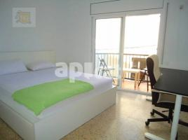 For rent flat, 61 m², near bus and train