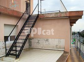 Flat, 65 m², near bus and train