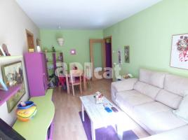 Flat, 57 m², near bus and train