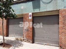 Business premises, 56.00 m², near bus and train, de l\'Autonomia