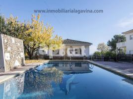 Houses (villa / tower), 198.00 m², near bus and train