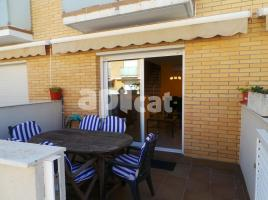 For rent Houses (terraced house), 160.00 m², near bus and train