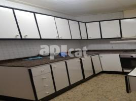 Flat, 93.00 m², near bus and train