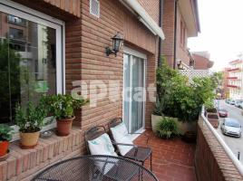 Houses (detached house), 280 m², near bus and train, Plaça les olles