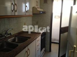 Flat, 69 m², near bus and train