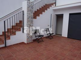 New home - Flat in, 185 m², near bus and train, new