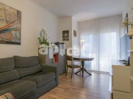 Flat, 75 m², close to bus and metro
