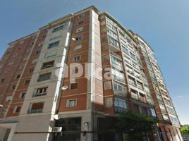 Flat, 208.00 m², near bus and train