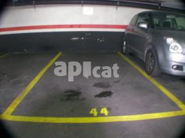 For rent parking, 10.00 m², de Maragall, 83
