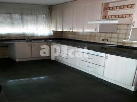 Houses (terraced house), 225.00 m², near bus and train