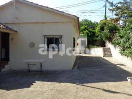 Houses (villa / tower), 65.00 m², near bus and train