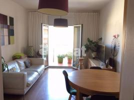 For rent flat, 78 m², close to bus and metro