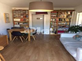 For rent flat, 78 m², near bus and train