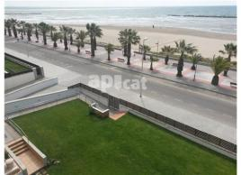 For rent flat, 100 m², almost new, PLAYA