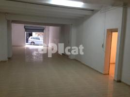 Business premises, 140.00 m², close to bus and metro, de la Legalitat, 27