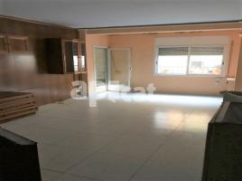 Flat, 70 m², near bus and train